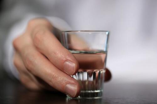 承德老酒加盟代理一共要多少*