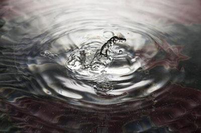 想做怡宝桶装水代理怎么申请 代理费及条件是什么