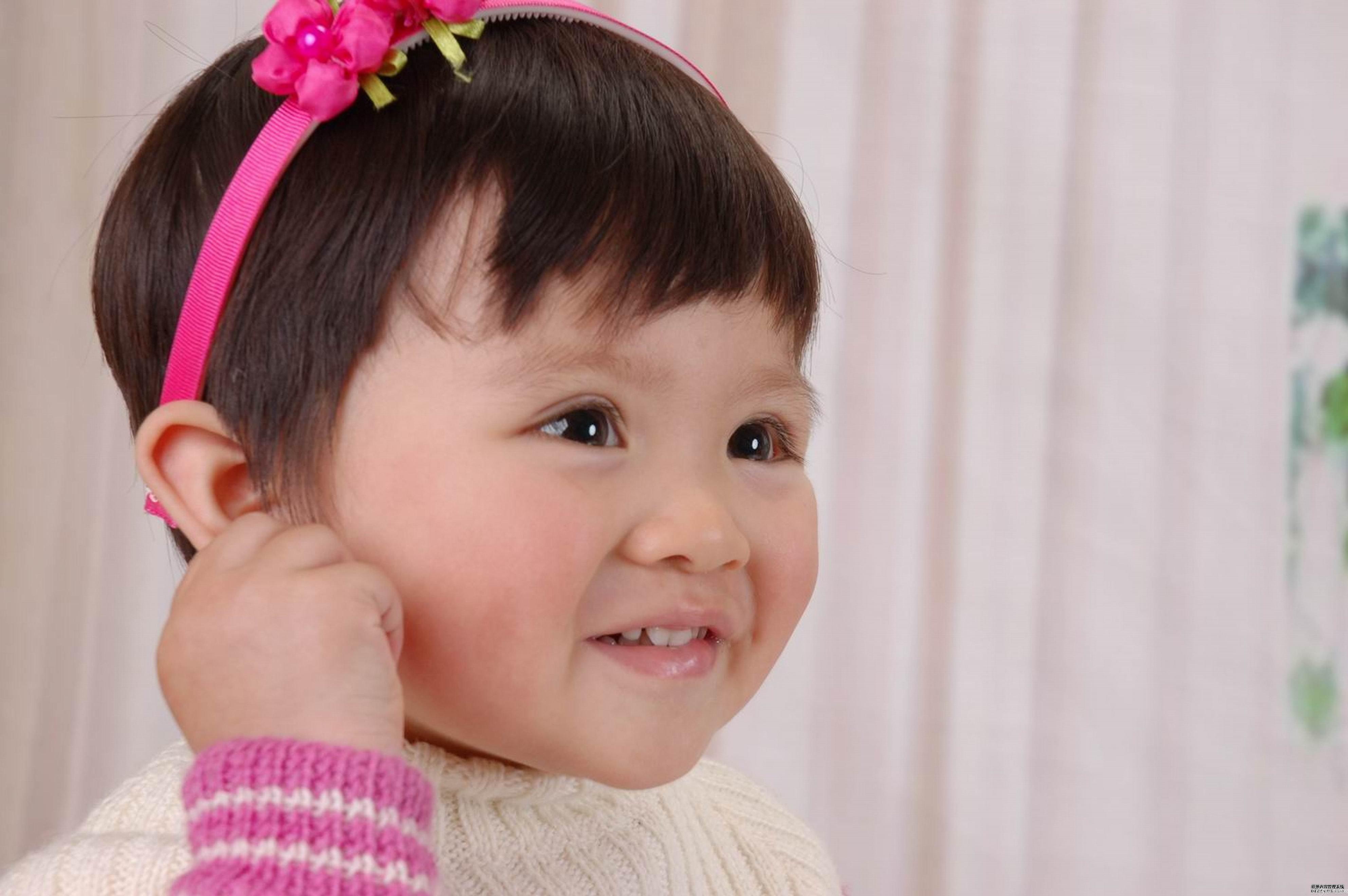 新生宝宝怎么护理耳朵?