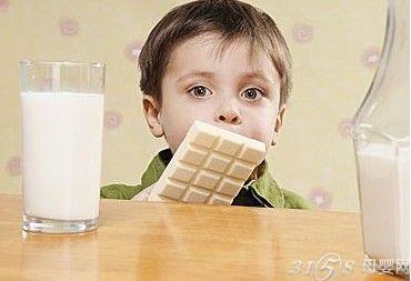 外国小孩子吃什么补钙