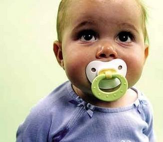 外国宝宝常含奶嘴能不能学习?