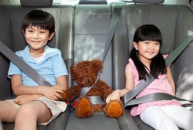 更别说小孩子了,最让人担心的就是孩子晕车的问题了,孩子晕车应该怎么