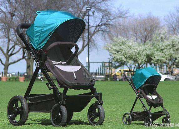 Kolcraft公司总裁库尔顿(Tom Koltun)表示,打造了这款试乘推车,是为了让家长可以体验到小孩在婴儿车里的舒适和享受,相信它会是自己的最佳选择。 在官方公布的影片中可以看到,这款成人版巨型婴儿车比婴儿版大2倍,成人必须透过梯子才能爬上去。许多试乘过的家长都非常满意,其中还有一名爸爸坐上去后,就舍不得下来了。 Kolcraft透露,成人版巨型婴儿车近期将公开试乘,相信影片公布后,将会有大批心动的民众参加活动。