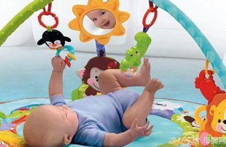费雪可爱动物健身器 这是一款可以让宝宝躺,爬,坐着玩并带音乐的有趣