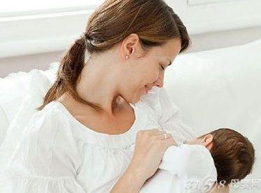 哺乳妈妈乳房一大一小怎么办