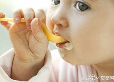 宝宝添加辅食错误做法