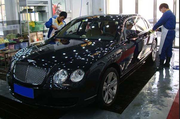 失业男开洗车美容店 一年洗出好几十万-3158汽车网