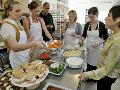 部署餐饮行业开展反对铺张浪费工作