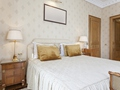 有哪些让卧室变大的收纳法?