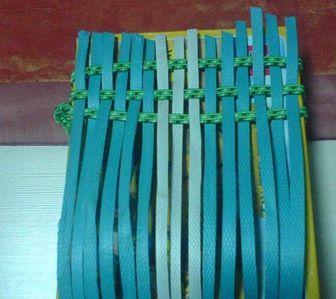 怎样用打包带编篮子 打包带编织篮子教程