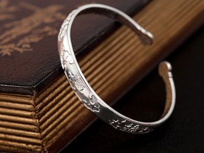 V6银饰:让你的银饰更加的闪亮