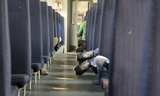 猎豹浏览器春运抢票版是不是不能用了, 买北京的火车票几点开始抢票