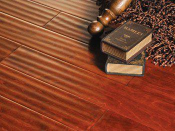 实木地板翻新只是打磨掉地板表面的1-2毫米