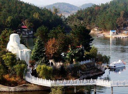 其每年接待游客人次已跻身安徽省风景名胜区的前列.