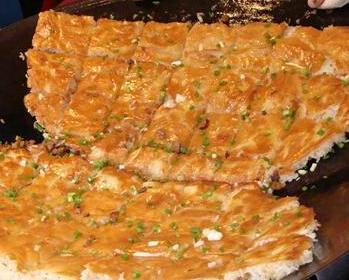 湖北特色美食之三鲜豆皮