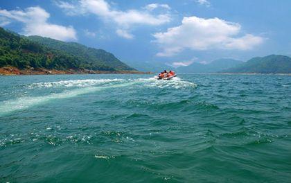 合肥到安庆花亭湖旅游路线推荐    导读:花亭湖风景区是国家风景名胜