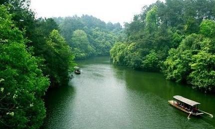 石象湖,位于成雅高速公路86公里出口,国家级生态示范区——成都市蒲江