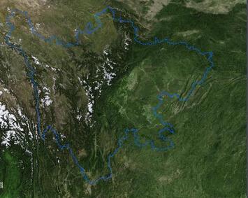 东部为四川盆地及盆缘山地