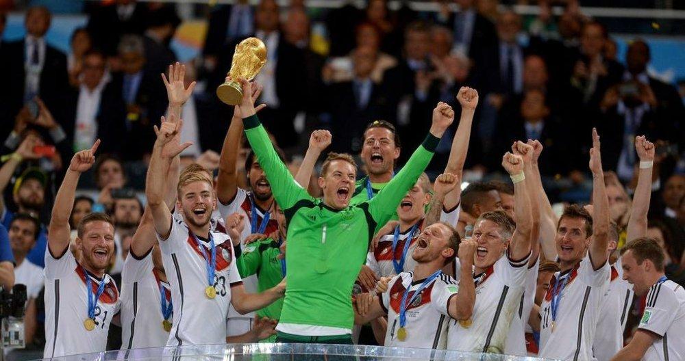 德国队庆祝夺冠图片