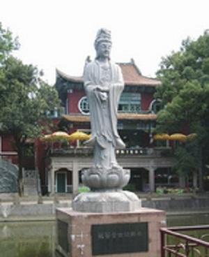 这两座千佛塔建于宋元丰五年(1082年)
