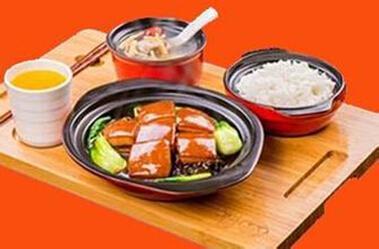 目前市面上中式快餐多以蒸饭和盒饭为主