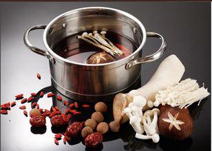 尚捞小火锅源自香港的本土食材,回转式传输菜品,一人一锅全新体验.