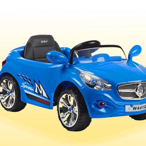 第二,酷宝童车店里不仅仅有童车出售,还有酷宝的益智玩具店