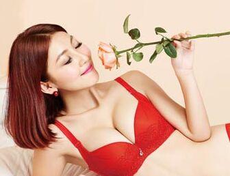 浪漫春天时尚内衣加盟 女性创业首选