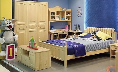 现在的儿童家具市场是以环保为卖点的原木设计和以迎合儿童心理为主