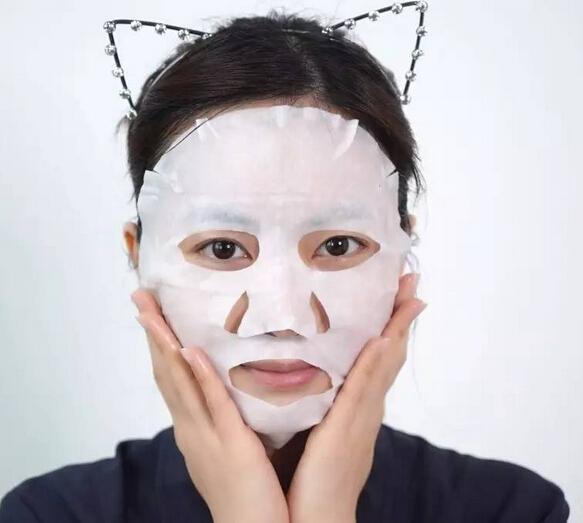 精华  乳液等步骤来完善皮肤所需的营养,并且面膜属于周护理不适合