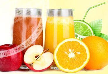 鲜果蜜语饮品店内产品其制作过程完善,在水果的选择上更是经过精心