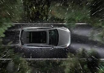 雨天开车六大注意事项:路线选择需慎重