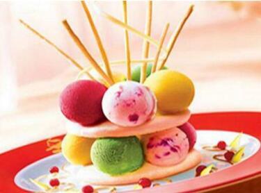 可爱雪意式冰淇淋