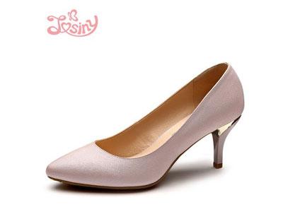 卓诗尼女鞋利润有多少?加盟一年可赚多少?
