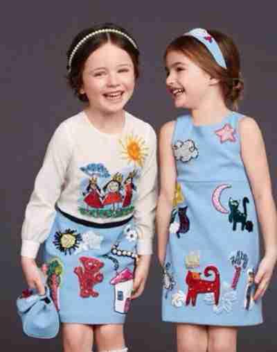 儿童服装加盟店摩卡小宝童装服装从设计到卖给买家,中间有太多的流程