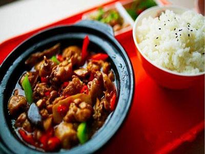 杨铭宇黄焖鸡米饭加盟费多少