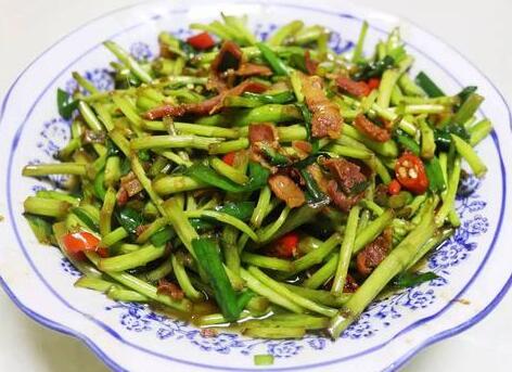 江西美食小吃:篱蒿炒腊肉简单做法!