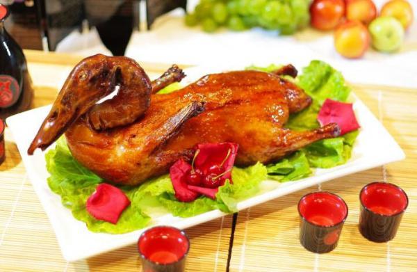 卤三国绝味美食加盟开店八大优势