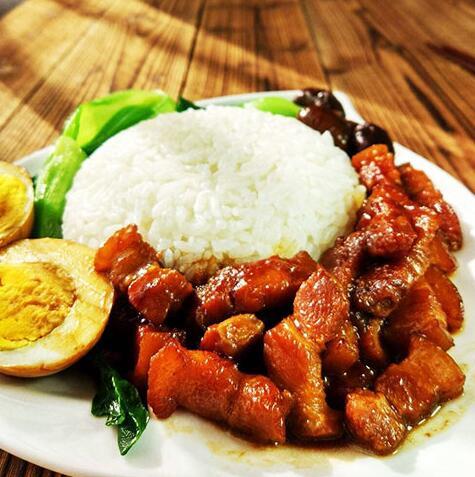 巧仙婆砂锅焖鱼米饭加盟店