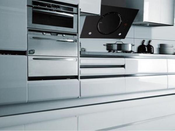 英伦罗孚集成灶专注品质厨电 创业加盟如虎添翼