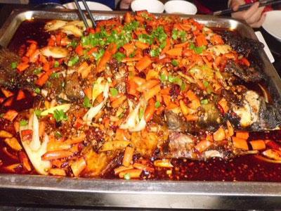 江边诱惑烤鱼加盟流程
