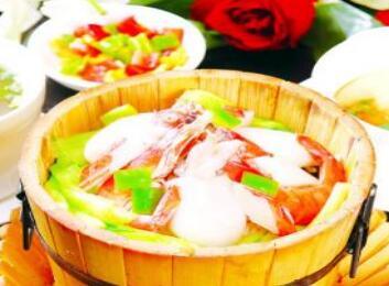> 加盟渝来顺喷泉木桶鱼 让你的经营如鱼得水   如何开个火锅店?