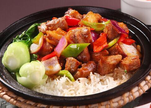 煲来饱去加盟店是具备特色的中式餐饮
