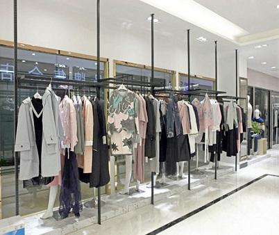 县城开一家夺宝奇兵女装专卖店需要多少钱