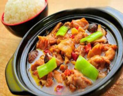 黄焖鸡米饭怎样做