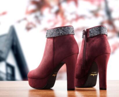 依思Q鞋业
