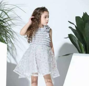 巴布兔-优雅蕾丝拼色纯色连衣裙