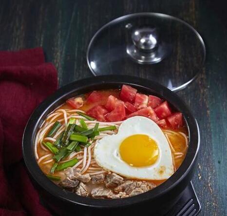 横米竖线火锅米线-番茄牛肉米线