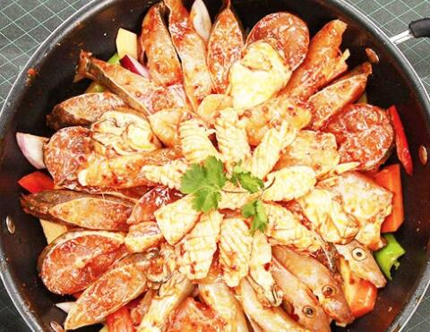 焖掌柜-鲜鱼焖锅
