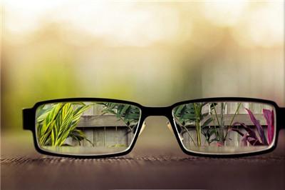 思齐视光眼镜